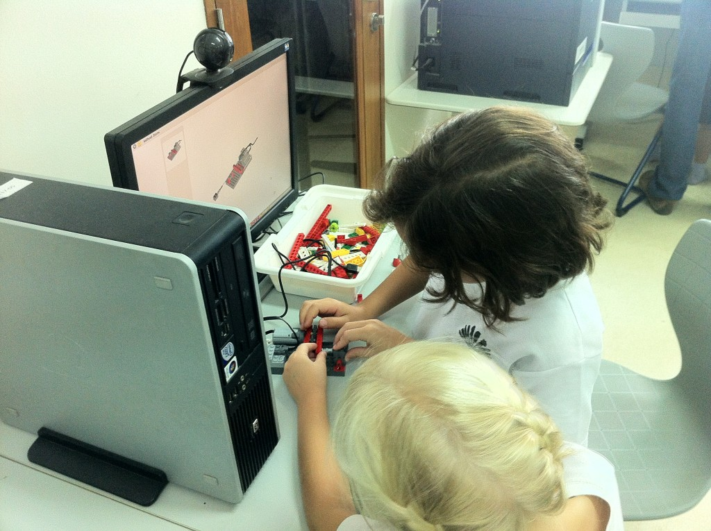 WeDo activities and building projects – LEGO Engineering