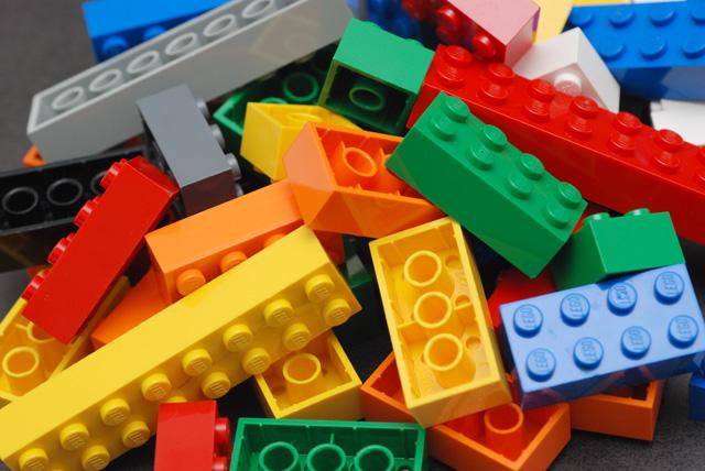 Sample music: ROBOLAB – LEGO Engineering