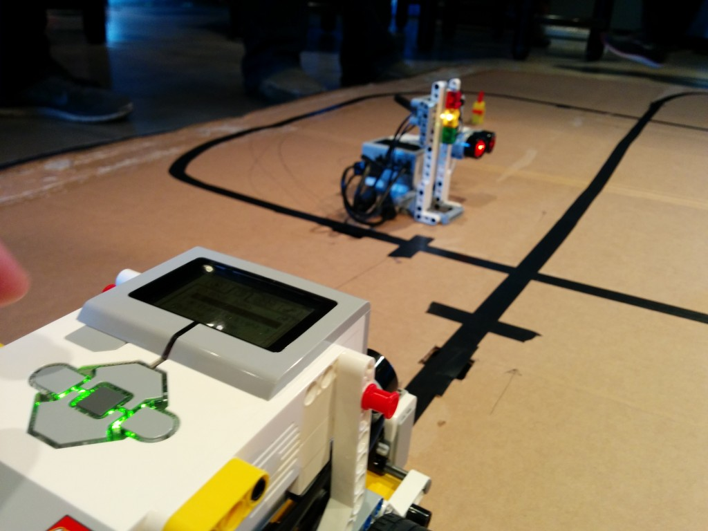 Programming Bluetooth on EV3 – LEGO Engineering