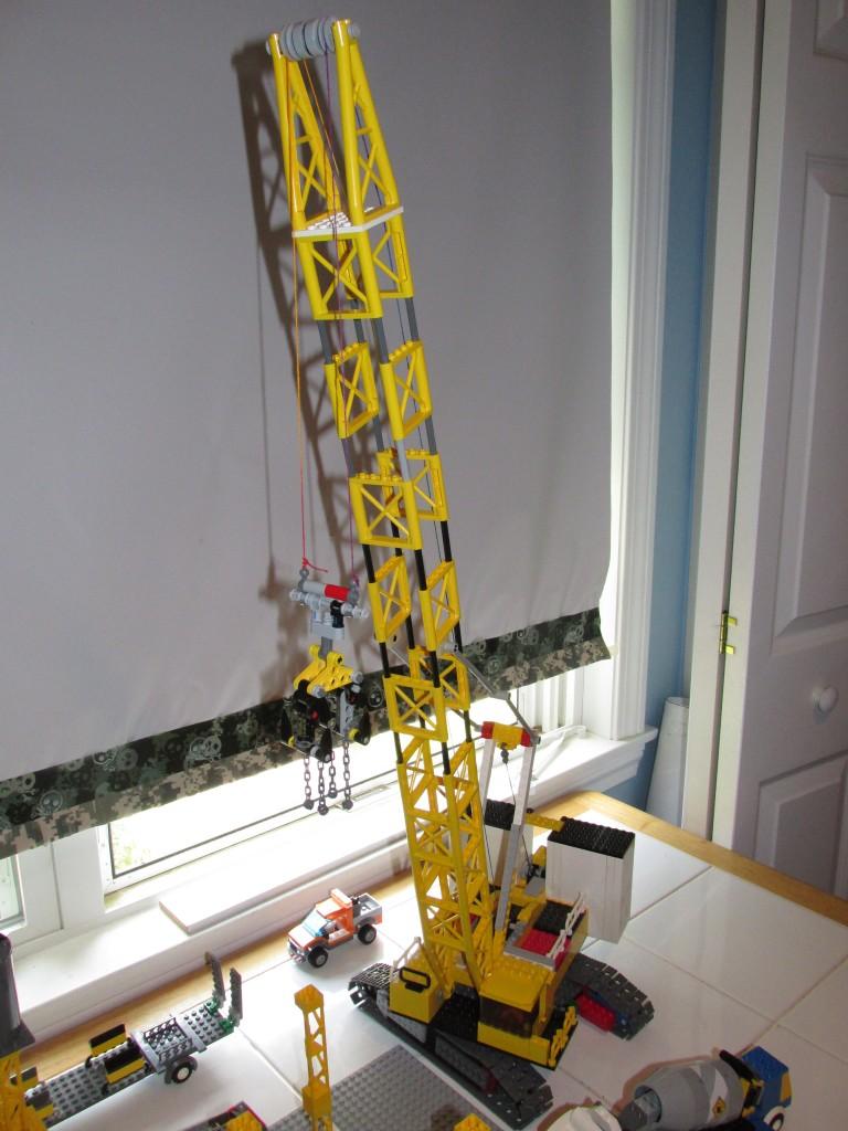 Liebherr Crawler crane finished!(?) – LEGO Engineering