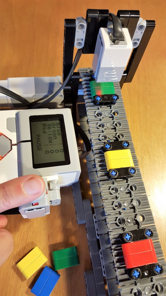 How to Toggle a Motor On/Off With a Touch Sensor – LEGO